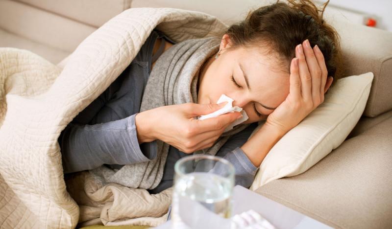 Come curare il raffreddore e l'influenza estiva con il CBD
